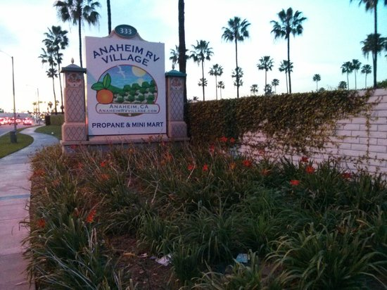 Anaheim RV Park: Oops, Wrong Resort on This One - Now Closed