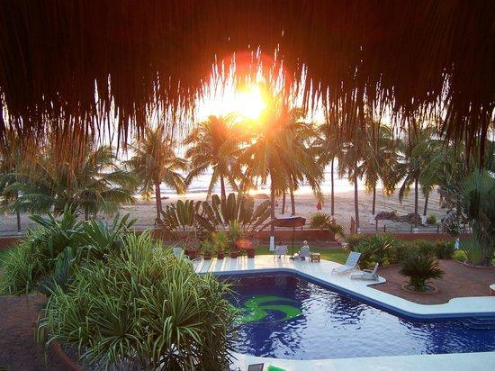 Majahua Palms: Sunset from balcony of apartment