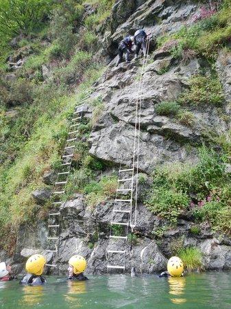Adrenalin Quarry: Coasteering