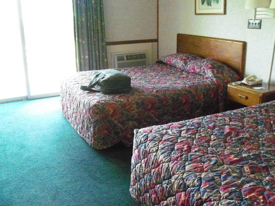 Knights Inn Dillard: The room with 2 Queen beds