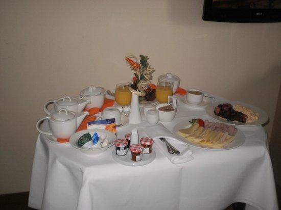 Aquapalace Hotel Prague : raňajky na izbu