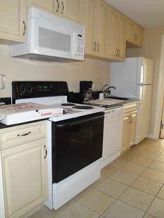 Hilton Suites Ocean City Oceanfront: Kitchen