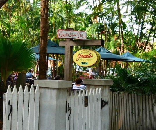 Grunts Bar: Grunts restaurant