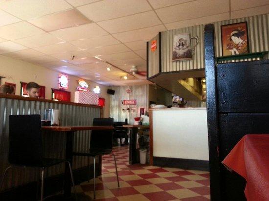 Pie-Zan's: Dine-in