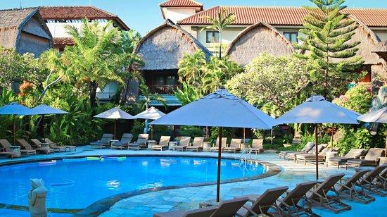 Ramayana Resort & Spa: Pool area