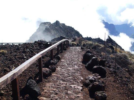 Roque de Los Muchachos: Pathway at the top