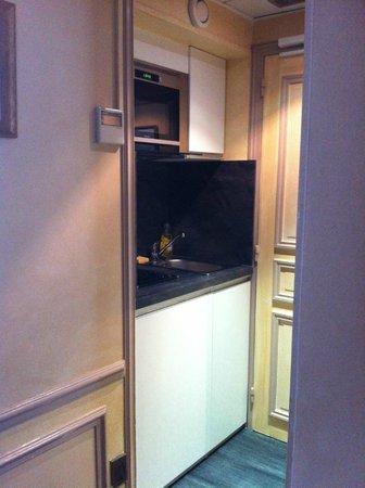 Hotel Residence Henri 4: Kitchenette