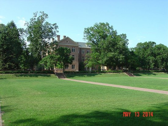 The College of William and Mary : a building on the grounds