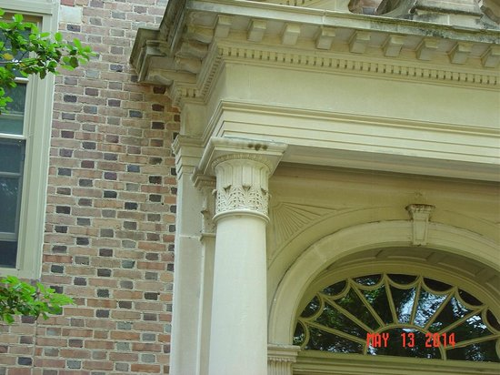 The College of William and Mary : Archet. detail3