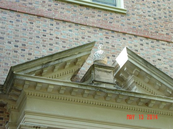 The College of William and Mary : Archet. detail2