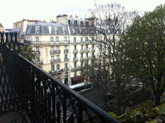 Hotel Residence Henri 4: View from balcony