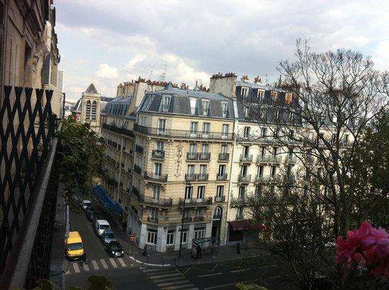 Hôtel Résidence Henri 4: View from balcony