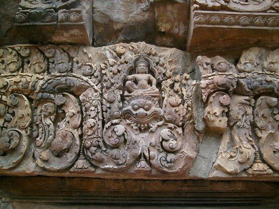 Banteay Srei : amazing carvings
