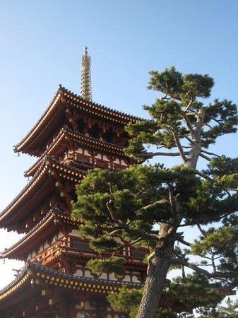 Yakushi-ji Temple: West Pagoda