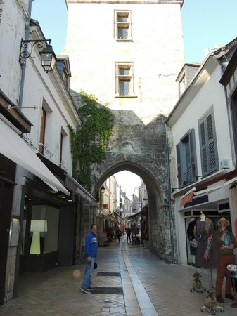 Chateau d'Amboise: Charming medieval town