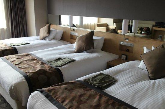 Almont Hotel Kyoto : トリプルルームです。