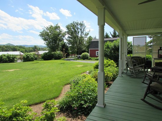 Piney Hill Bed & Breakfast: View from the porch
