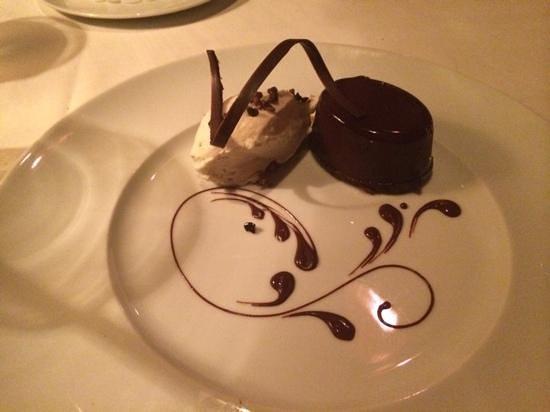 Ringside Steakhouse: dessert!