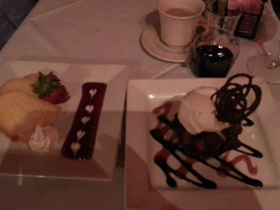 Collage Restaurant: Chocolate bread pudding and rum cake.
