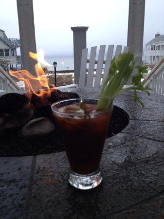 The Beachmere Inn: Restaurant Patio