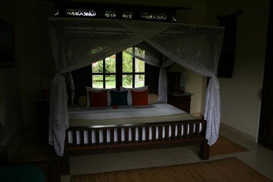 Alam Shanti: Lovely bedroom in Shindu