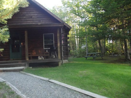 Lee, ME: yr round cabin with all amenities