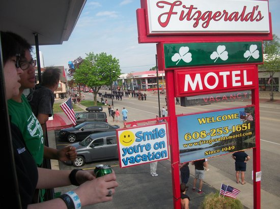 Fitzgeralds Motel: Watching the parade from Balcony