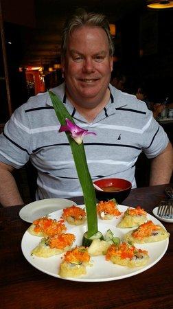 Lily Asian Restaurant : Dynamite Roll