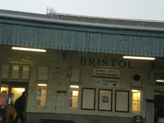 Ibis Bristol Temple Meads Quay: Bristol Meads Train Station - near the Hotel