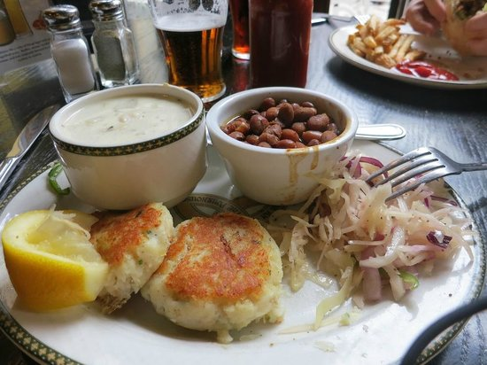 The Old Triangle Irish Ale House : Fishcakes with beans,chowder,coleslaw