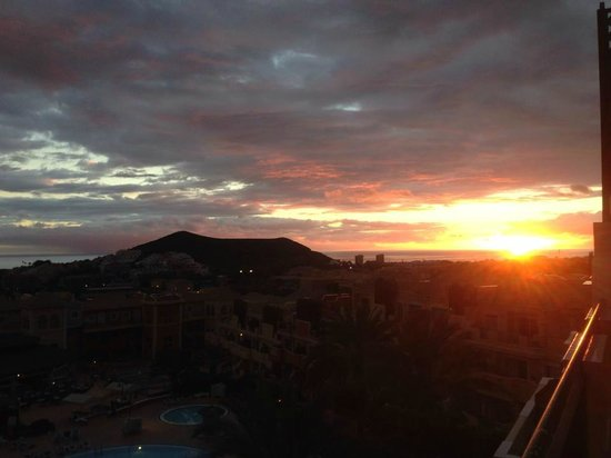 Granada Park Apartments: lovely sunset from are room