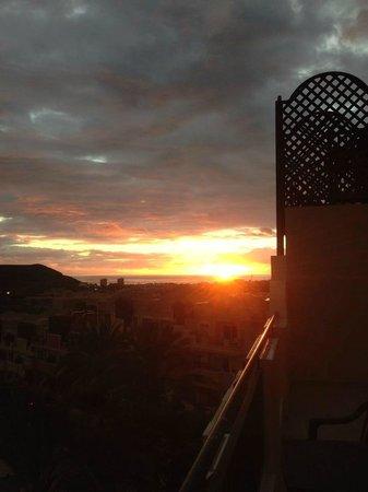 Granada Park Apartments: sunset