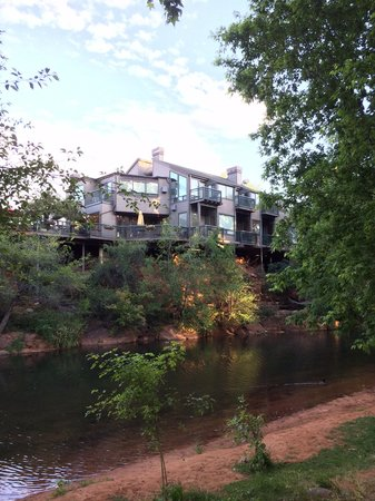 The Inn Above Oak Creek : Right on Oak Creek