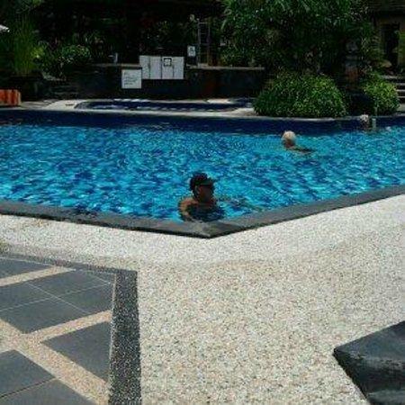 Inna Sindhu Beach: Pool at the Inna