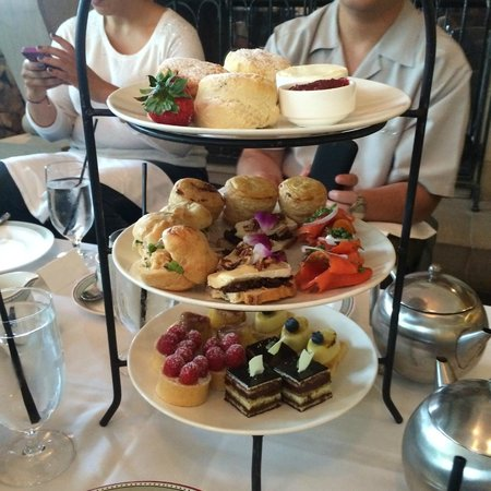The Mallard Lounge and Terrace: The goodies that comes with tea