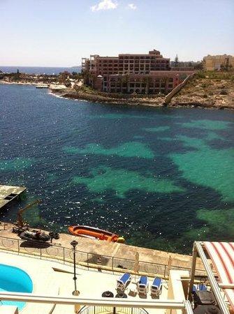 Marina Hotel Corinthia Beach Resort: view from balcony, the sea looked lovely