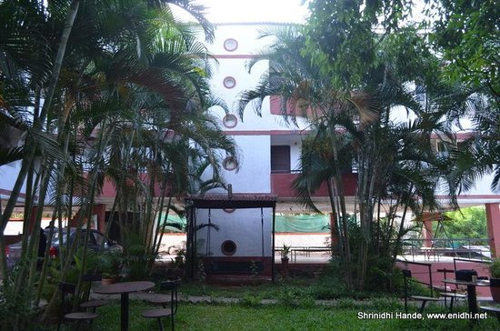 Girivihar Holiday Club: garden view