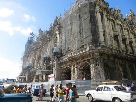 Gran Teatro de La Habana: Teatro en restauración