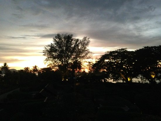 Feringgi Grill : Sunset view from the restaurant