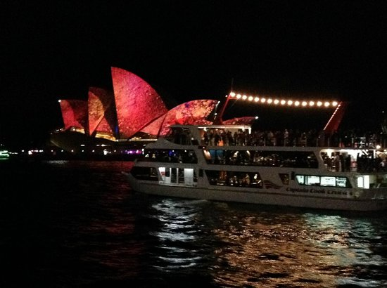 Real Sydney Tours : Our Opera House shines for Vivid Sydney 2014