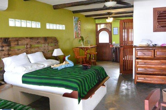 Tranquilseas Eco Lodge and Dive Center : Gecko Room - Reverse
