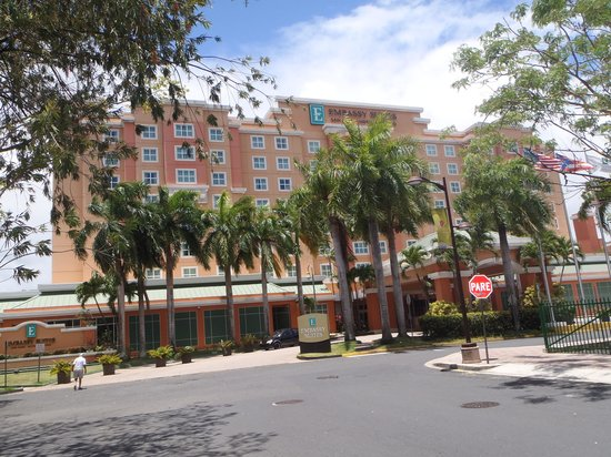 Embassy Suites by Hilton San Juan Hotel & Casino: Front View