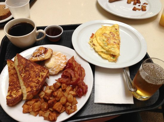 Embassy Suites by Hilton Chicago Downtown: awesome breakfast