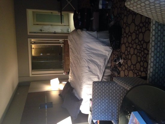 Seminole Hard Rock Hotel Hollywood : luxury king bed room
