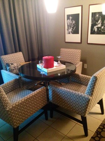 Seminole Hard Rock Hotel Hollywood : sitting table