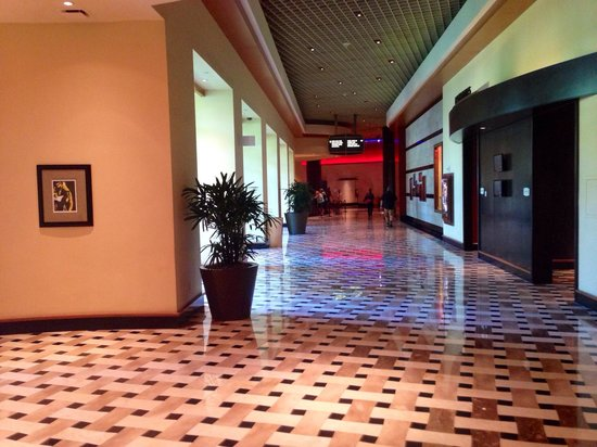 Seminole Hard Rock Hotel Hollywood: lobby to room elevators and gaming floor