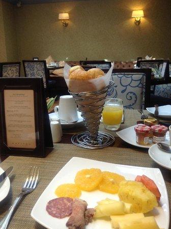 Sofitel Bogota Victoria Regia: mi selección de desayuno,  el menú es Frances y muy variado