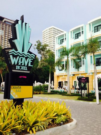 Wave Hotel: Wave