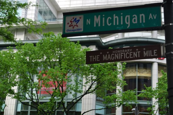 InterContinental Chicago Magnificent Mile: street sign