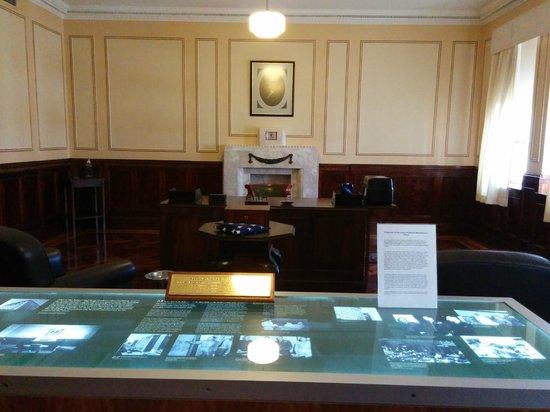 MacArthur Museum Brisbane: General MacArthur's office